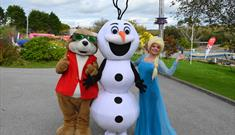 Frozen's Elsa and Olaf Visit Flambards!